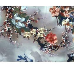 Hedvábí - šedá hedvábná šatovka 9646 s květy