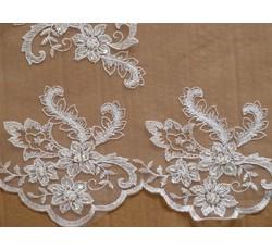 Krajky - bílá krajka s perličkami na tylu 1056