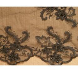 Krajky - černá krajka s perličkami na tylu 1056