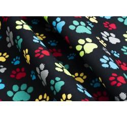 Bavlněné látky - černá bavlněná látka 20 barevné tlapky
