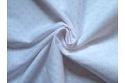 bílá bavlněná látka s růžovými srdíčky