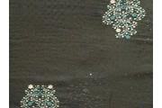 černý šifon 9957 s perličkami smaragdový květ