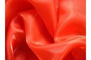 organza červená